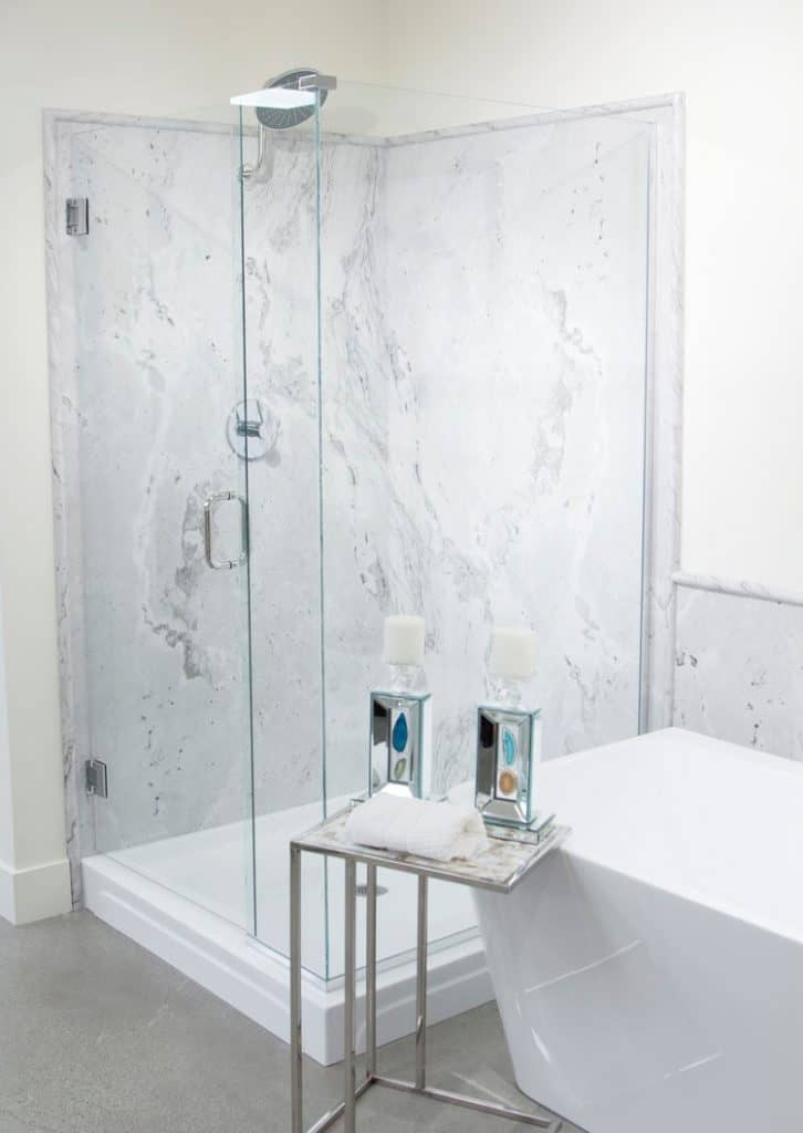 Tyvarian marble shower